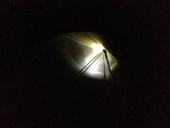 Hodelykten lyset godt opp teltet.