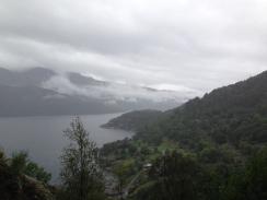 Tungt og lavt over fjorden.