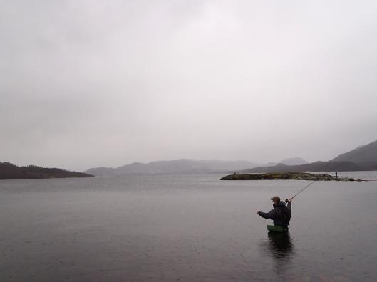 ups...godt han ikke fikk med den kløne bukta og griserompa det kastet ble...  Foto: BJarne H. Sætrang