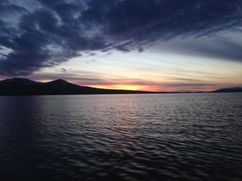 En fantastisk solnedgang over Femunden på vei inn i marka.